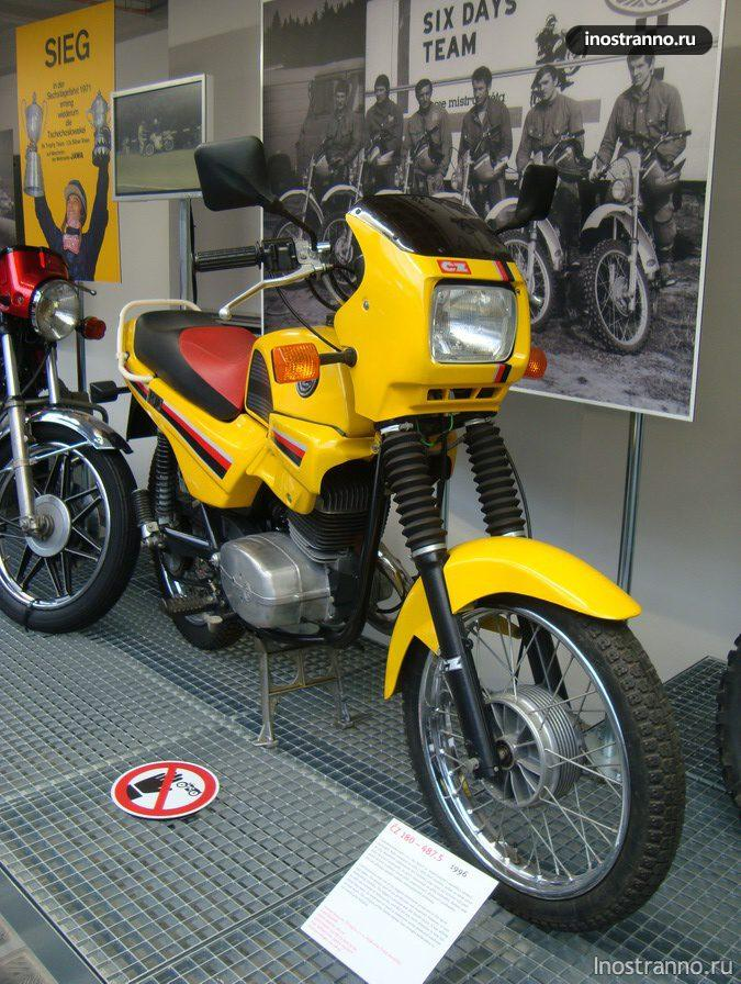 Мотоцикл ЧЗ - ČZ 180