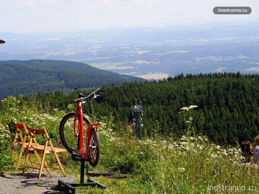 велосипед и горы в Чехии