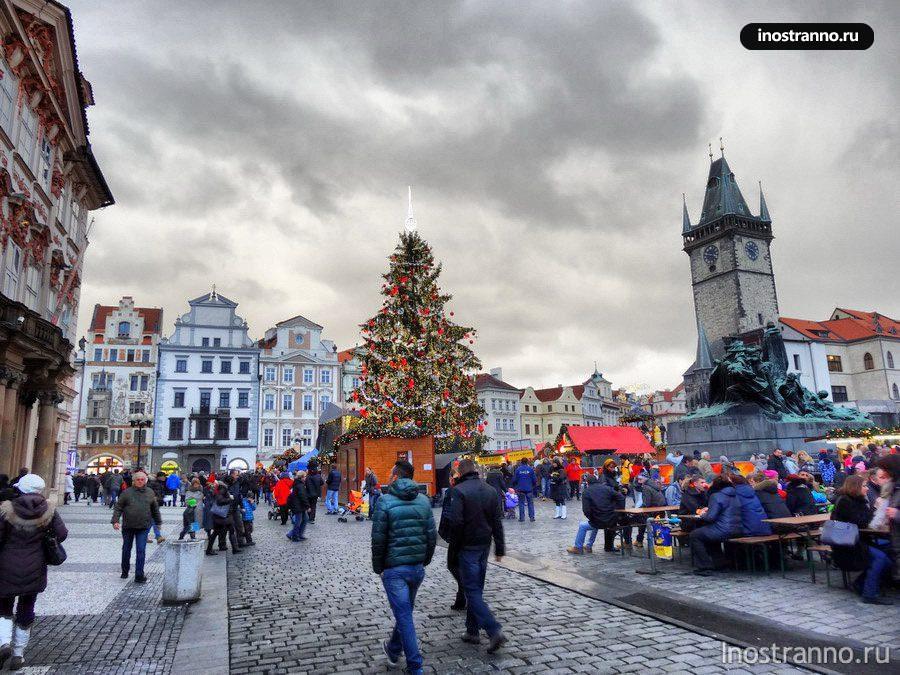 Елка на Староместской площади в Праге