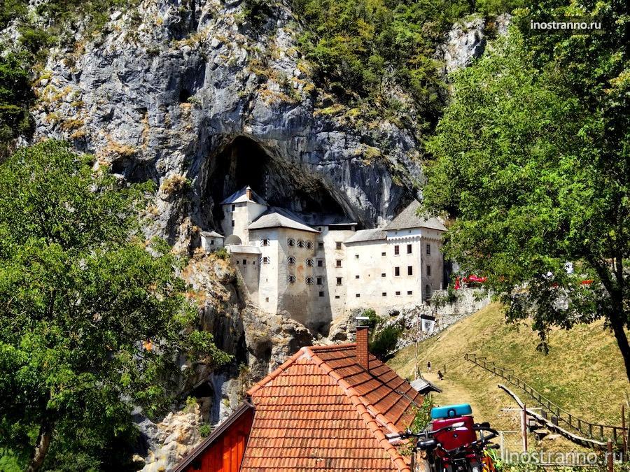 замок в словении