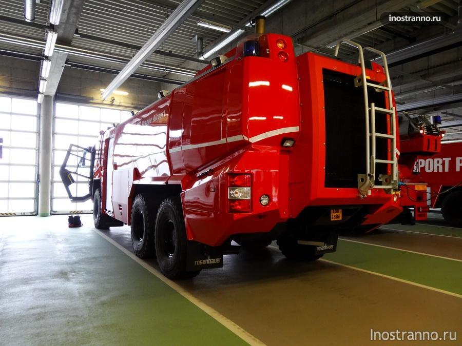 пожарный автомобиль Rosenbauer