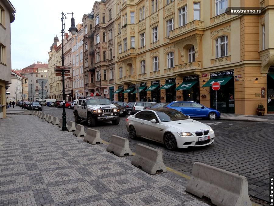 Hummer на улицах Праги