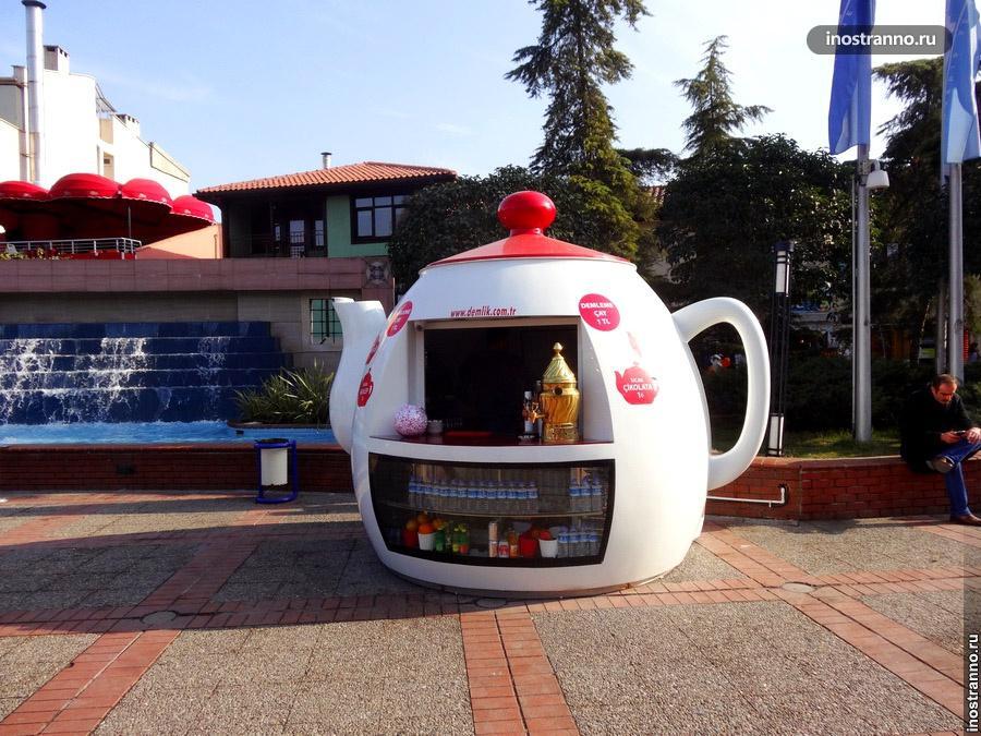 Киоск в виде чайника в Турции