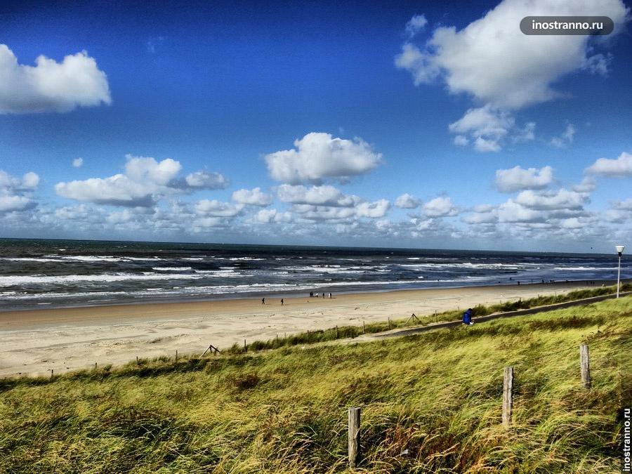 Пляж в Голландии