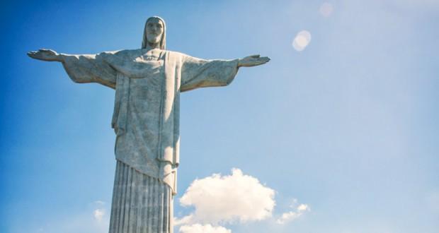 Статуя Христа-Искупителя на вершине горы Корковадо
