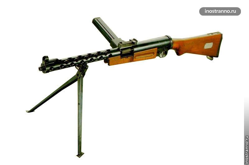 Чешский пистолет-пулемет ZK 383