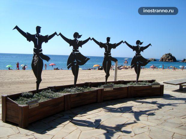 Бланес курорт и пляж в Испании