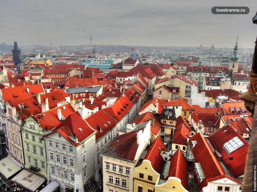 Староместская площадь и красные крыши
