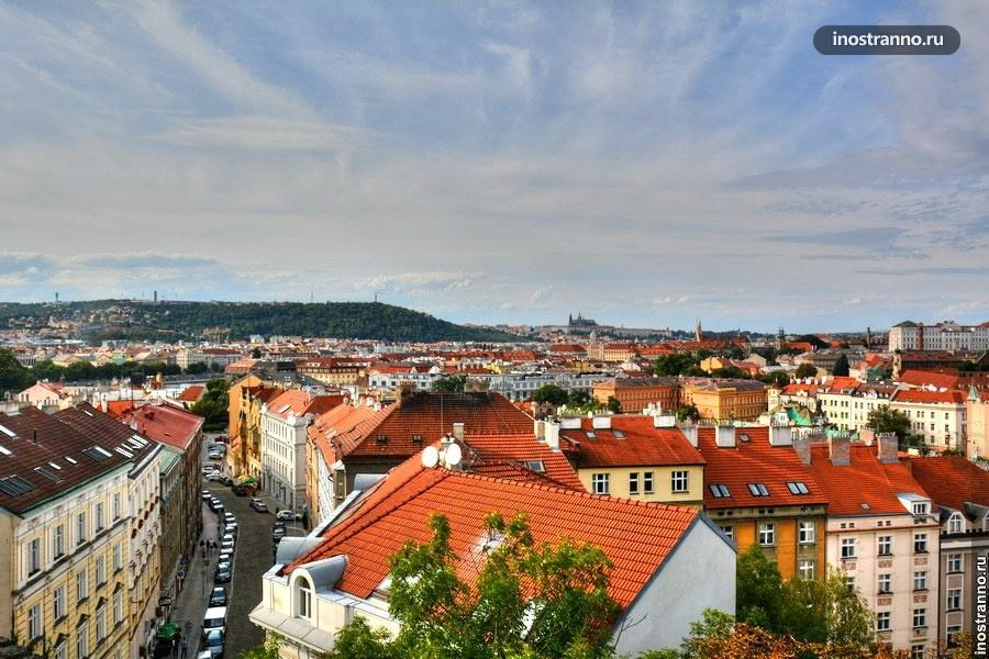 Крыши Праги с Вышеграда