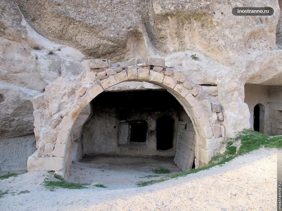 Дом в скале каппадокия