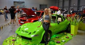 Игрушки на автомобильной выставке в Праге