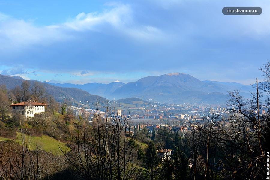 Вид на Альпы в Бергамо