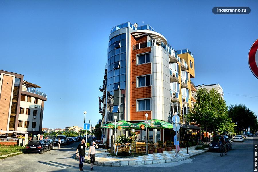 Улица в Приморско