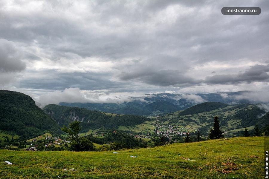 Горы Карпаты в Румынии
