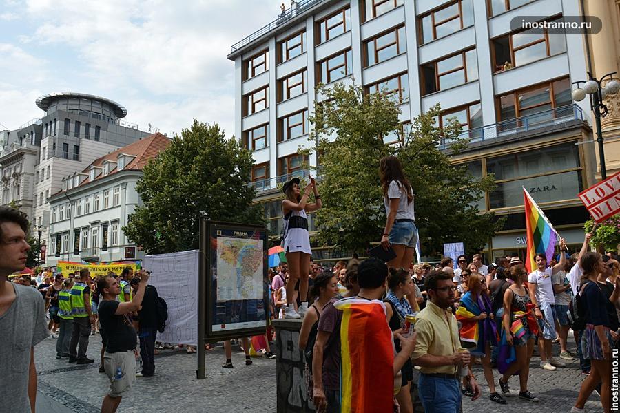 Гей-парад в Праге на Вацлаваке