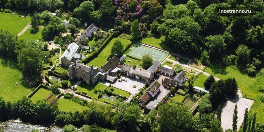 Красивый замок в Великобритании Bickleigh Castle