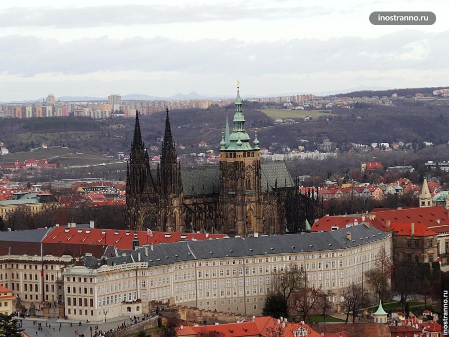 Самый большой замок в мире
