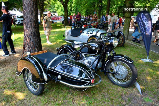 Мотоцикл БМВ с коляской