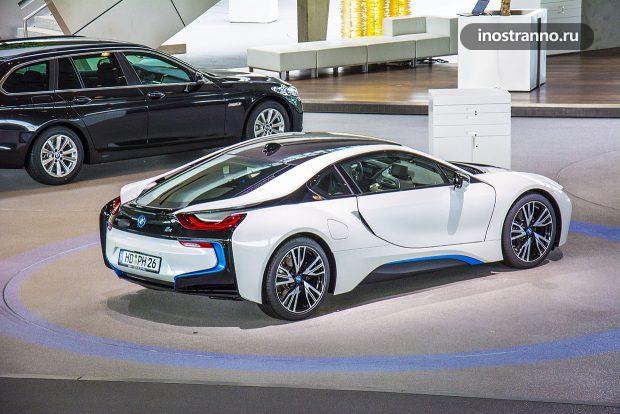 BMW i8 электромобиль
