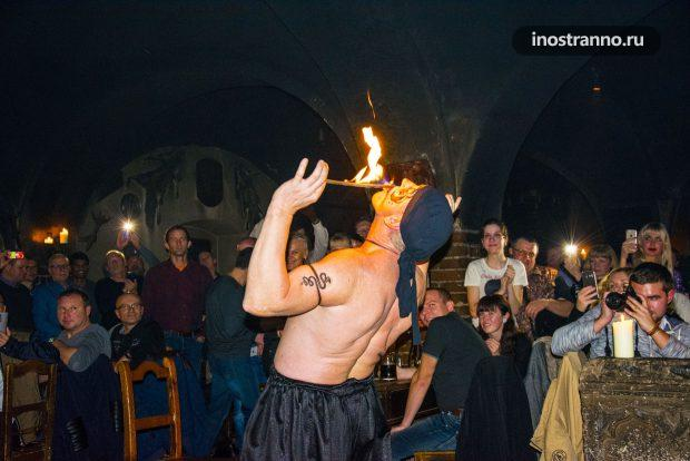 Огненное шоу в средневековой корчме Детенице