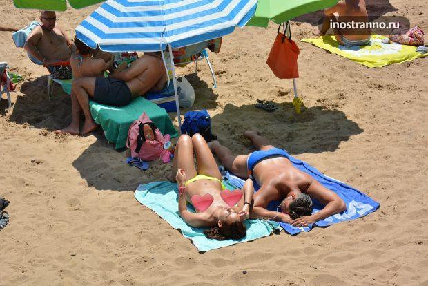 Пляж во Франции где можно загорать топлесс