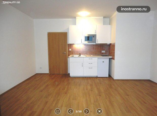 Кухня в квартире в Праге без техники