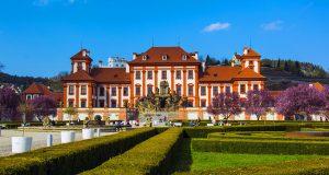 Замок Троя — уголок романтики в Праге