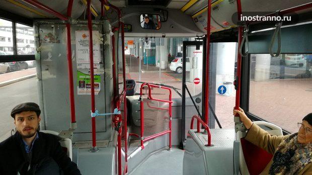 Автобус в Бари