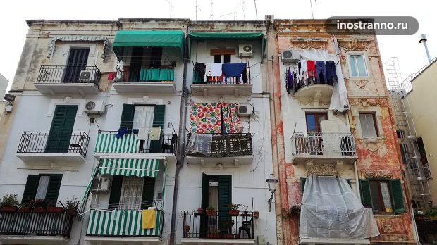 Белье на балконах в Италии