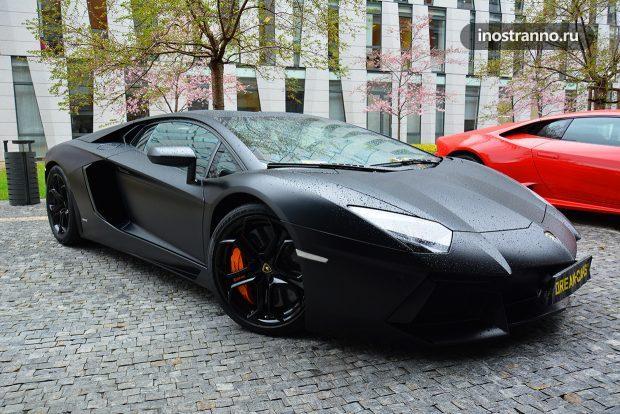 Как провесАренда спорткар в Прагети выходные в Праге по-богатому