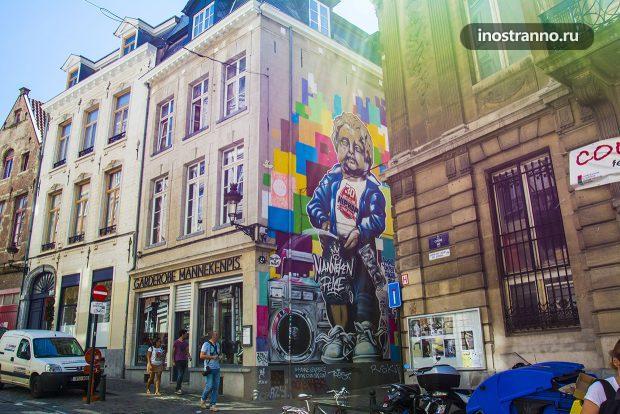 Писающий мальчик Граффити в Брюсселе