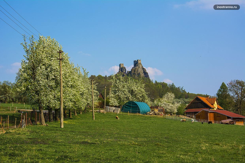 Замок Троски в Чехии