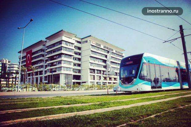 Трамвай в Измире