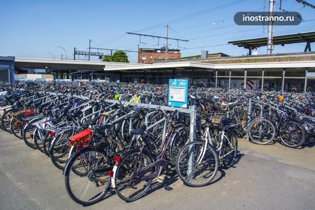 Паркинг велосипедов в Генте