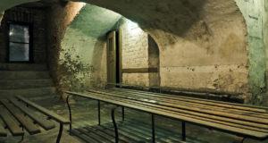 Невероятные бункеры, которые выставлены на продажу для спасения от войны и зомби
