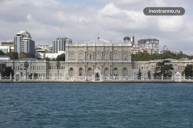 Долмабахче дворец в Стамбуле