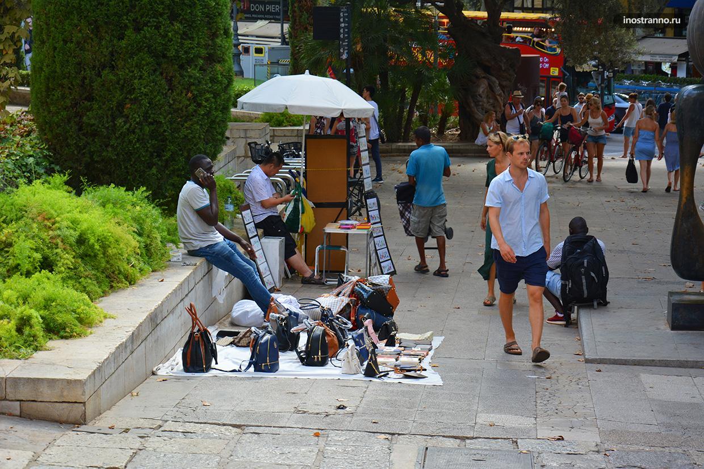 Уличный шопинг и преступность на Майорке