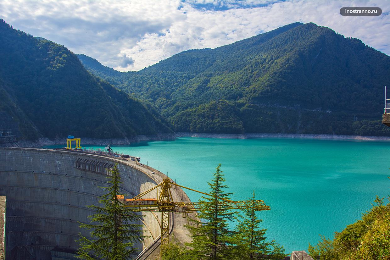 Ингурское водохранилище живописное место в Сванетии