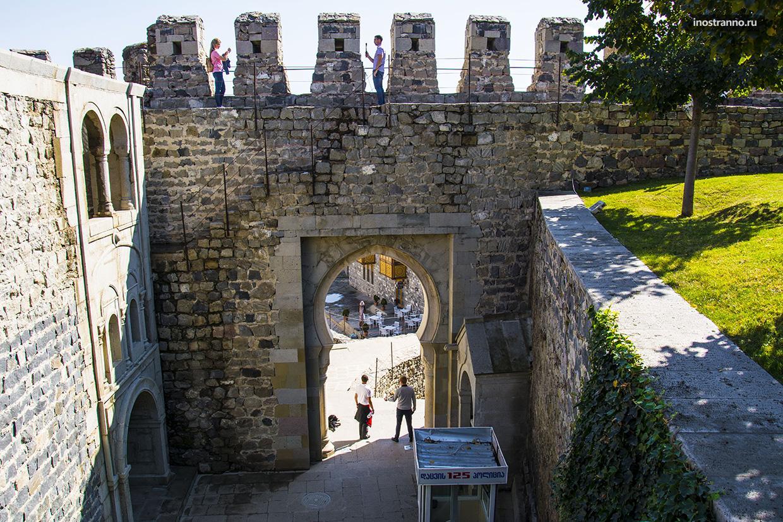 Вход в Ахалцихскую крепость Рабат