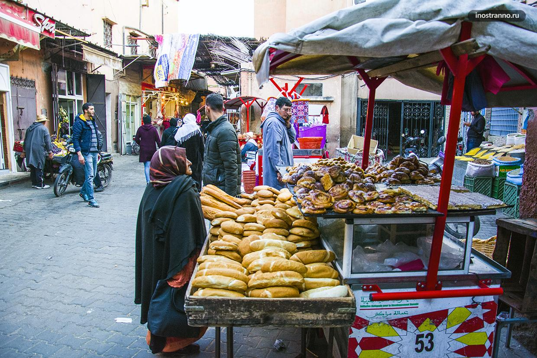 Хлеб на рынке в Марракеше