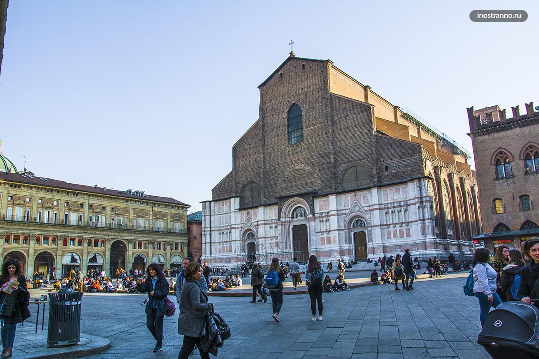 Базилика Сан-Петронио Достопримечательности Болоньи