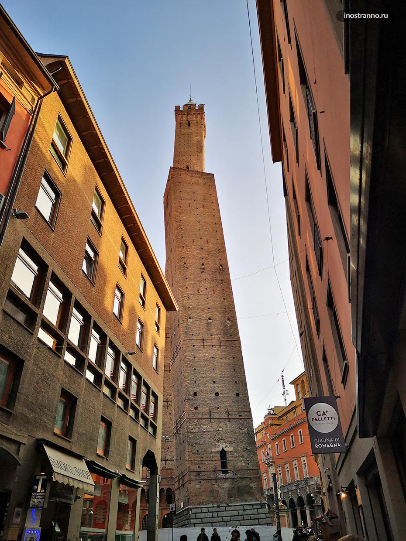 Две башни смотровая площадка в Болонье