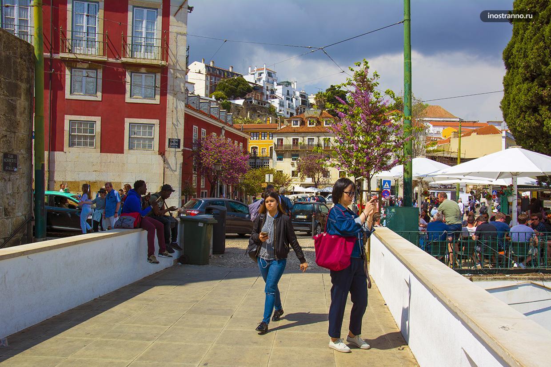 Туристы в Португалии