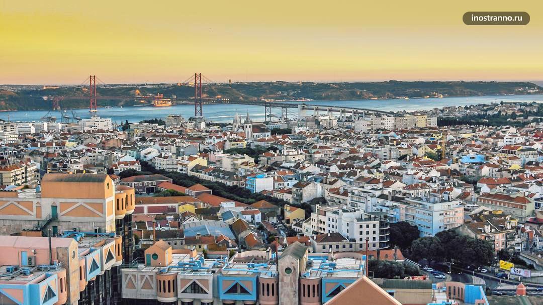 Терраса в ТЦ Аморейраш в Лиссабоне для встречи заката