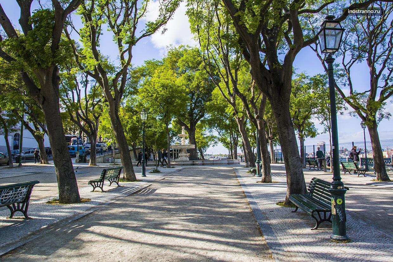 Красивый парк в Лиссабоне