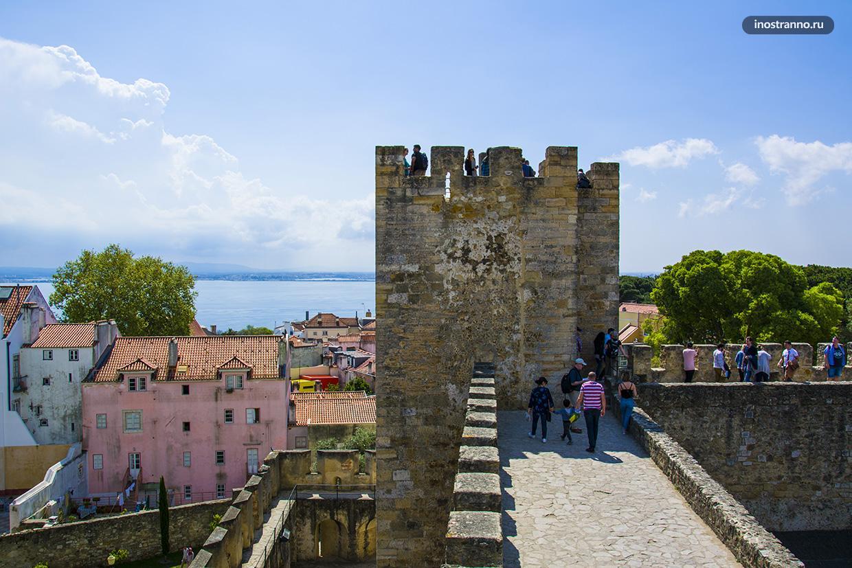 Смотровая у Замка Святого Георгия в Лиссабоне