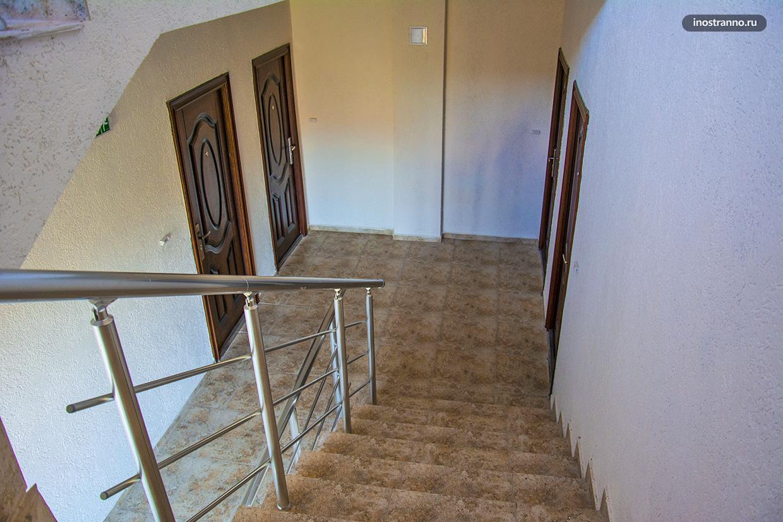 Входная дверь в апартамент