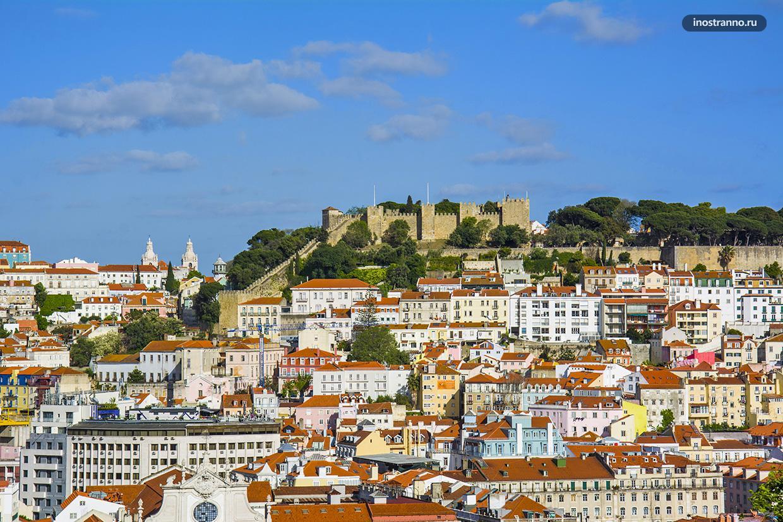 Замок Лиссабона на холме