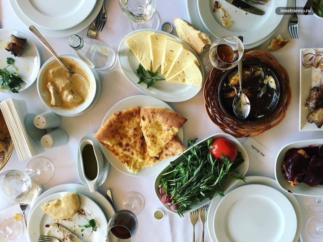 Ресторан в Тбилиси В тени Метехи со вкусным шашлыком