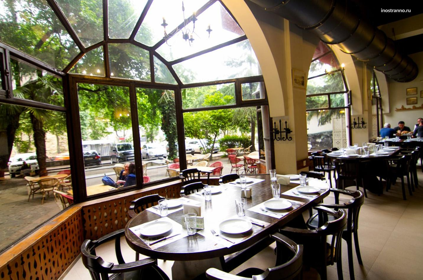 Ресторан в Тбилиси Маспиндзело с живой музыкой